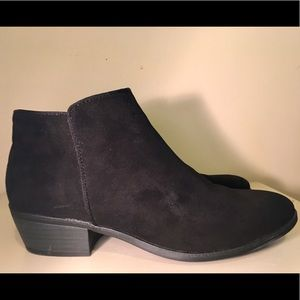 Dunes size 8.5 women's ankle boots